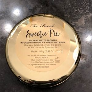 Too Faced Makeup - Too Faced Sweetie Pie bronzer blush combo